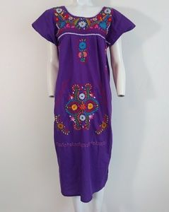 vintage Mexican cotton embroidered caftan dress